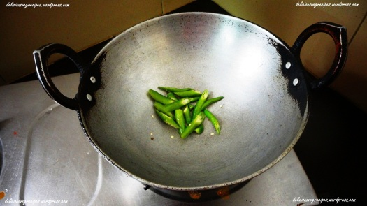 Fry Green Chilies